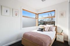 1-11-Montpellier-bedroom
